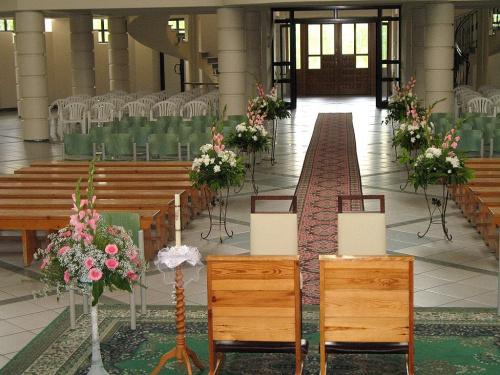 #kwiaty #bukiety #kościół #wystrój #dekoracje