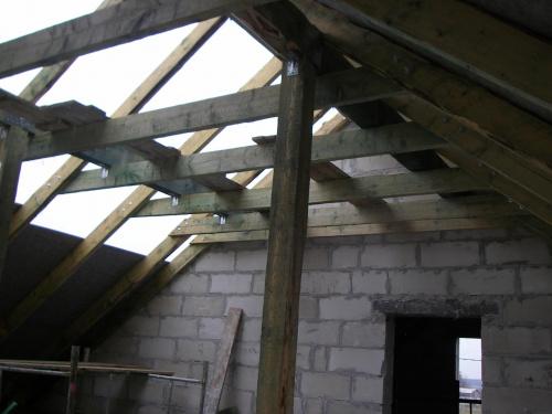 ostatni widok na dziurawy dach