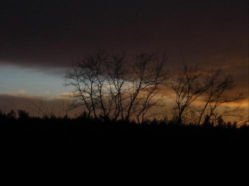 zachodzi słoneczko... #zachód #słońce #natura #chmury #niebo
