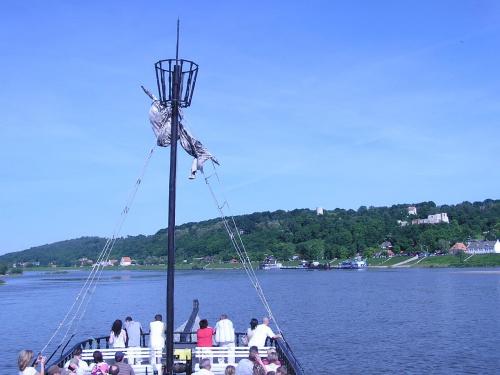 #statek #łódź #statkiem #rejs #RejsPoWiśle #KazimierzDolny #płynąć #BocianieGniazdo #rzeka #Wisła