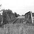 Stary nieużywany most kolejowy #most #widok #czerń #opuszczone