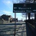 LUBOCHNIA (powiat tomaszowski) - ul.Łódzka #Lubochnia #PowiatTomaszowski #łódzkie #drogowskaz