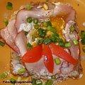 Jajeczko w gniazdku.Przepisy na : http://www.kulinaria.foody.pl/ , http://www.kuron.com.pl/ i http://kulinaria.uwrocie.info #JajkaSadzone #wędzonka #śniadanie #przekąska #kulinaria #jedzenie #gotowanie #PrzepisyKulinarne