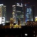 wiezowce w centrum warszawy #bloki #budynki #kosciol #noc #swiatla #warszawa #wiezowce #architektura