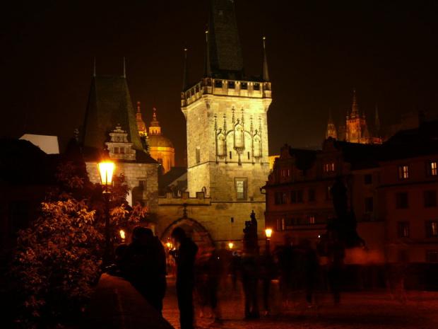 Malostrańska Wieża Mostowa przy zejściu z Mostu Karola na Małą Stranę #Praga