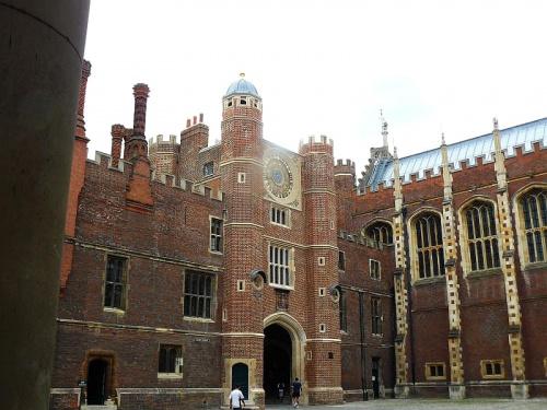 dziedziniec zegarowy #Hampton #Londyn #Tudor